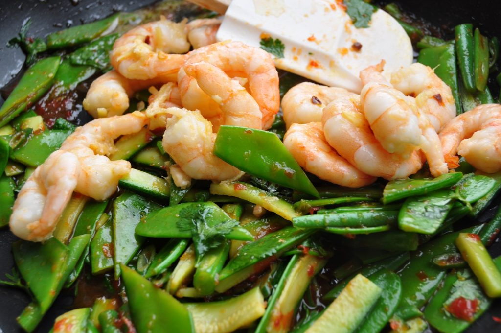 Mange tout add prawns web